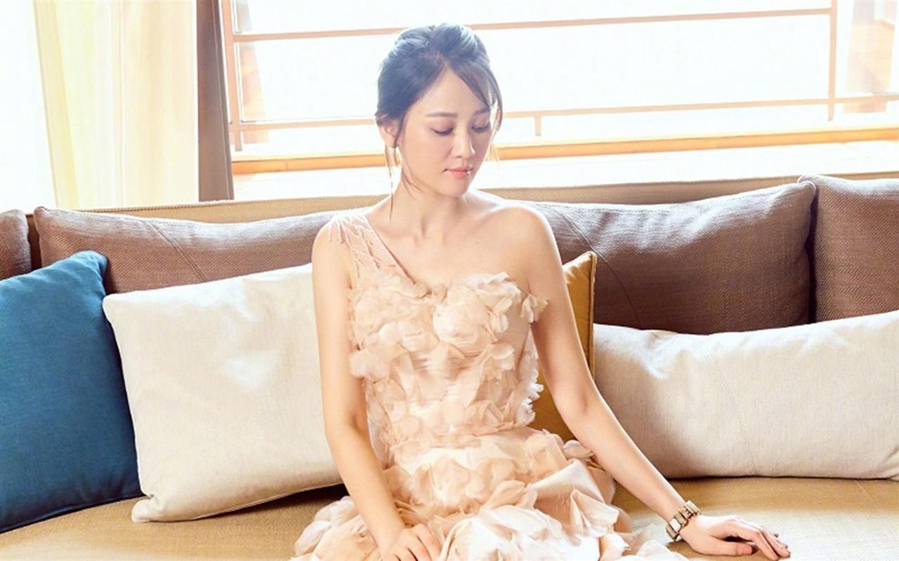 人气女星陈乔恩魅力写真电脑壁纸下载