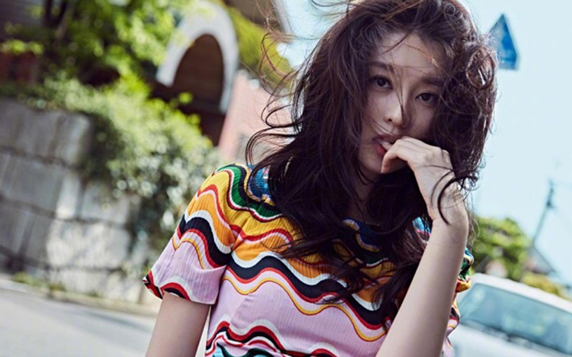 乔欣最新时尚街拍写真大片下载